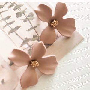 NWT Vtg Flower Earrings